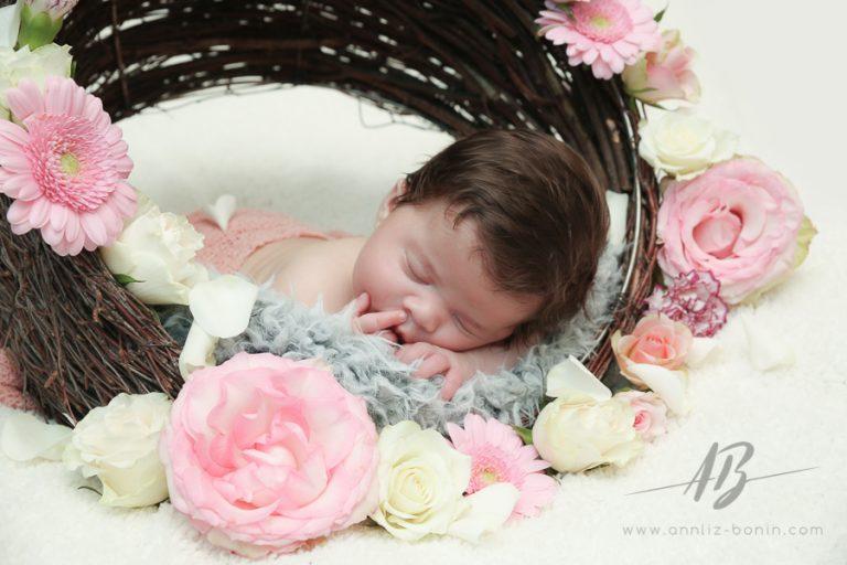 Séance naissance tout en émotion – photo de nouveau-né à Caen