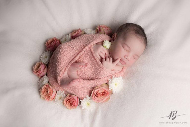 Les photos de naissance de Liv – séance photo bébé en studio à Caen