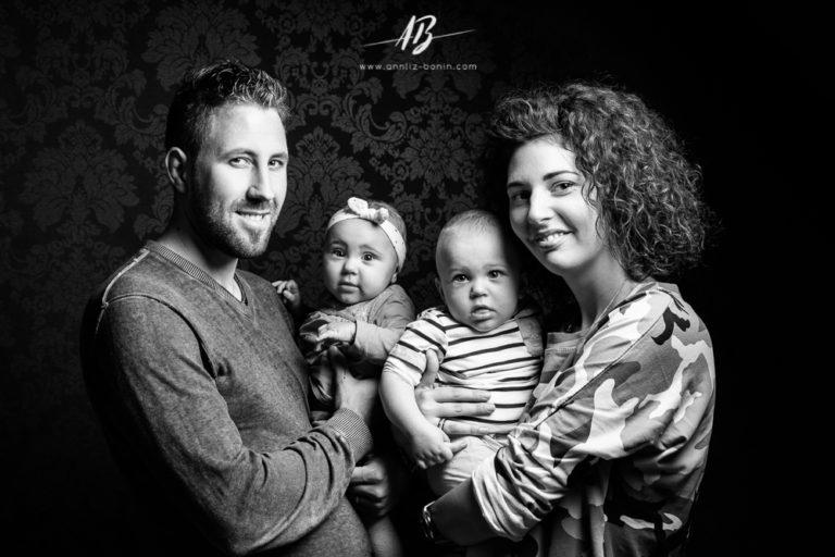 Séance photo en famille –  photographe famille en studio à Caen