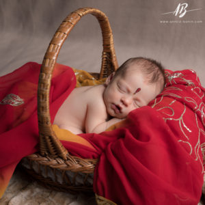 creative-newborn-photography-2