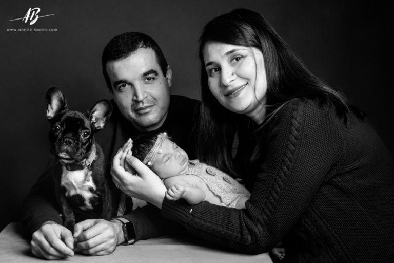Papa, maman, Léna et monsieur Otto – photo de naissance à Caen
