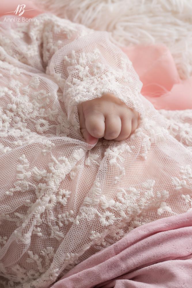 photo de détail de bébé